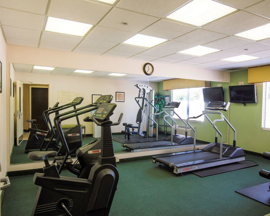 Quality Inn and Suites: Work out Room