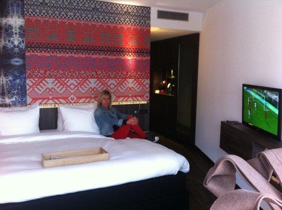 Onze mooie kamer foto van mainport hotel rotterdam tripadvisor - Kamer van water ...