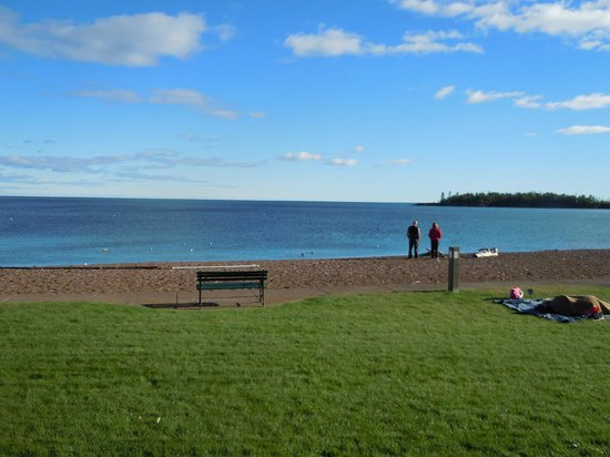 BEST WESTERN Plus Superior Inn & Suites: View of  Lake Superior and Artists Point from our room patio.