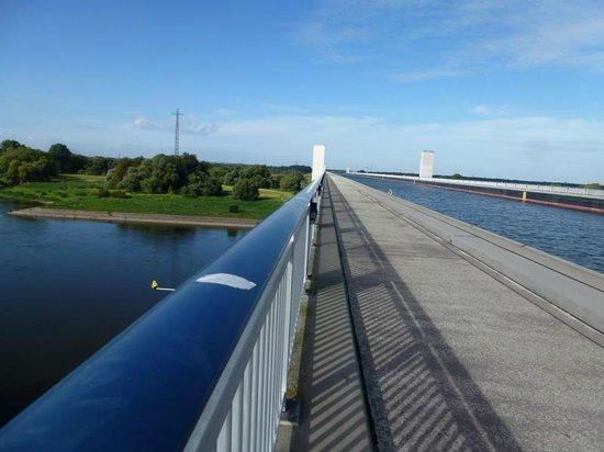 Das Wasserstrassenkreutz: Trogbrücke von oben