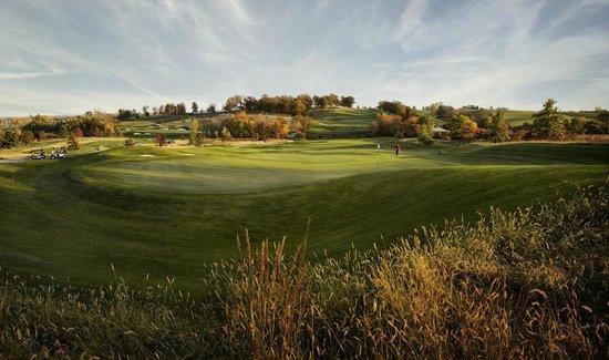 Riverside Casino & Golf Resort: Blue Top Ridge Golf Course