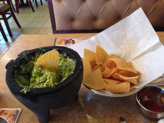 Mexico Lindo: Table side made guacamole