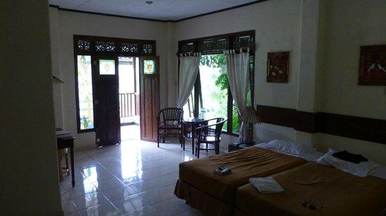 GG House - Happy Valley: My room looking towards balcony