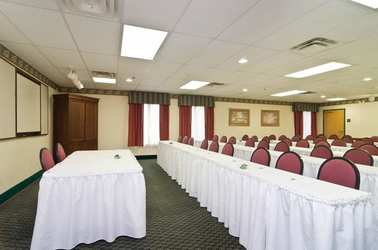 Hampton Inn Newcomerstown: Meeting and Event Space