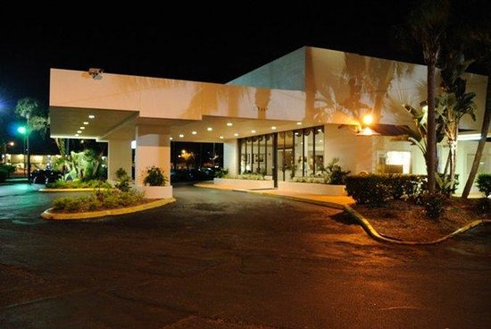Flamingo Resort: Hotel Exterior