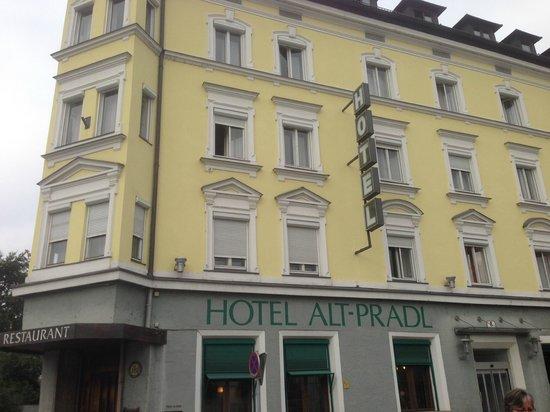 Altpradl Hotel: Outside of Hotel