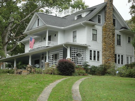 Cozad-Cover House Bed and Breakfast: Main House