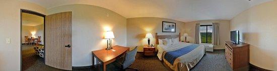 Comfort Inn & Suites Blue Ridge: King Suite