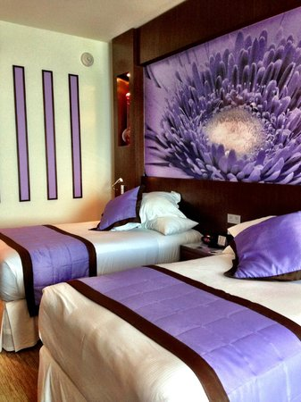 Hotel Riu Plaza Panama: Comfortable beds and pillows with luxury linens.