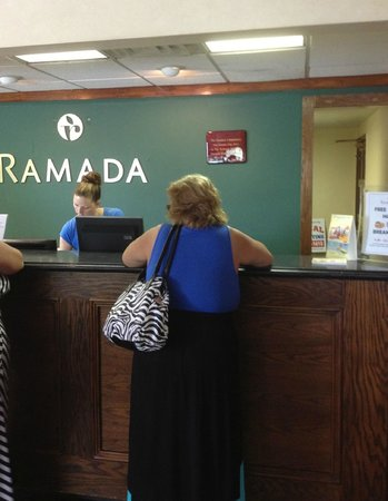 Ramada Perry Near Fairgrounds: Check in