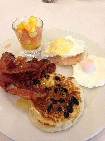 Hotel Riu Plaza Panama: Some choices at breakfast buffet