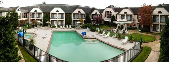 BEST WESTERN Pony Soldier Inn - Airport: Pool view panorama
