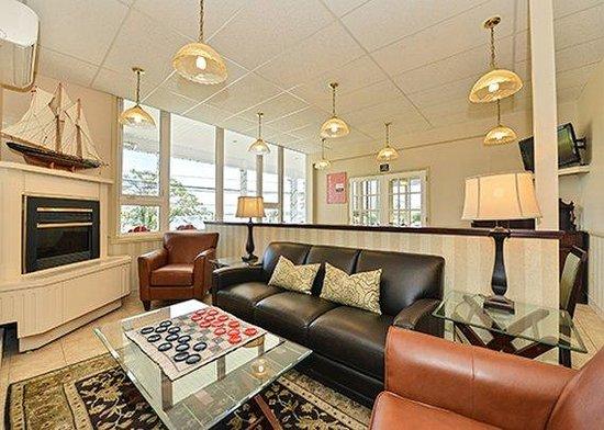Comfort Inn Halifax: lobby