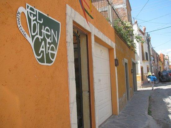 El Buen Cafe: El Buen Café entrance