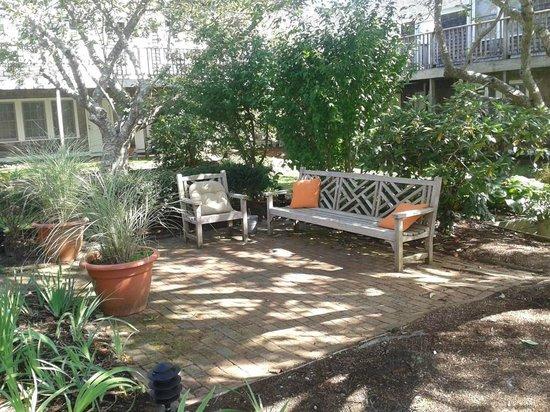 Nantucket Inn: peaceful courtyard outside of room