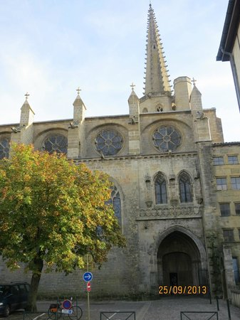 Hotel Restaurant Les Minotiers: Catedral de MIREPOIX