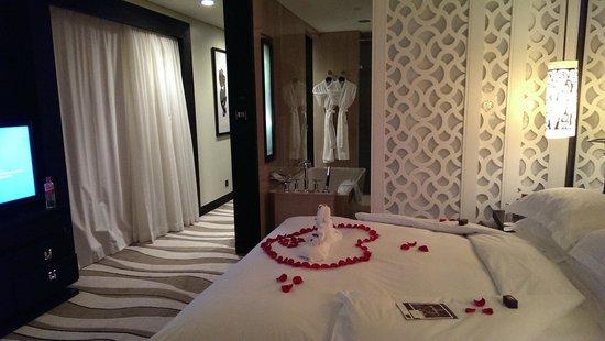 Sofitel Abu Dhabi Corniche: Deluxe King Size Room