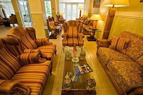 Alye Parusa Hotel: Lobby