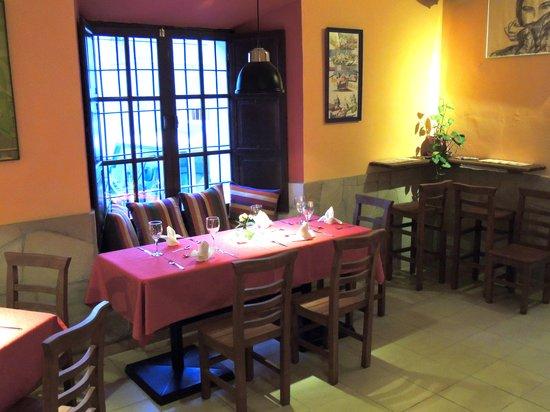 Cafe Restaurant El Tapado: restaurant 2