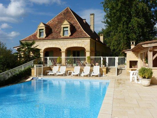 Hotel Bon Encontre : The pool