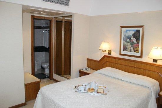 Hotel Cuatro Reyes: Habitación