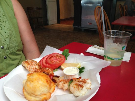 Crab Cooker Restaurant: seafood combo