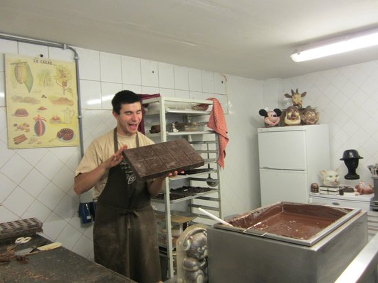 Museum of Cocoa and Chocolate (Musee du Cacao et du Chocolat) : Our Chocolate Maker