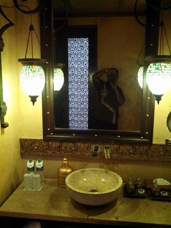The Baray Villa : The bathroom fittings and details were like been in Aladin's Cave