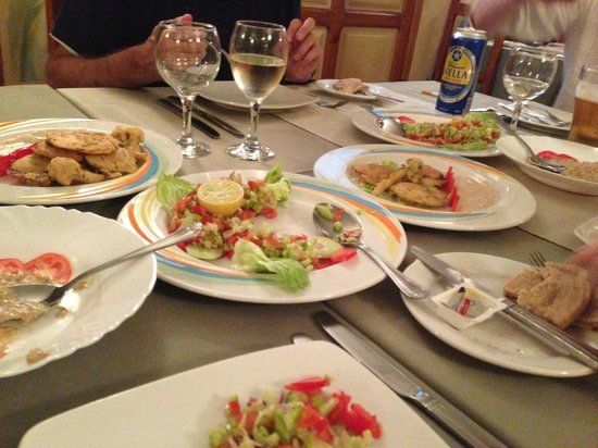 Jewel of the Nile: The Egyptian Appetizers (Sorry, we had already dug in and started enjoying before photo)