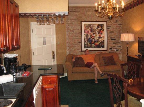 Quarter House Resort: Lounge # 212