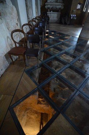 Chiesa di Santa Maria dei Greci: particolare del pavimento