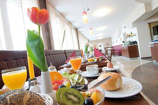 Novum Hotel Eleazar Hamburg City Center: Breakfastroom