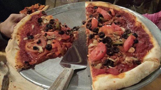 Vegan pizza photo de anthony 39 s italian restaurant for Anthony s creative italian cuisine