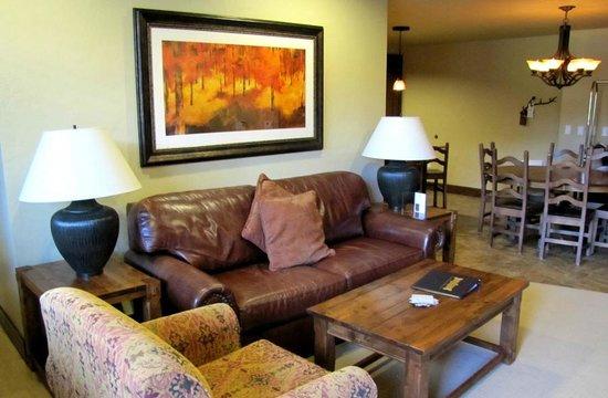 Grand Lodge on Peak 7: Living area