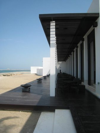 The Beach Restaurant at The Chedi Muscat: Outside seating area without the tables