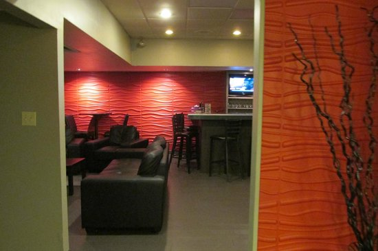 Best Western North Bay Hotel & Conference Centre: Fab Lounge