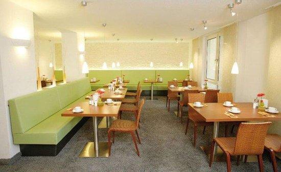 Apartmenthotel Residenz Steinenbronn: Breakfast