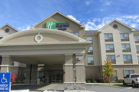 Holiday Inn Express & Suites New Liskeard: Exterior