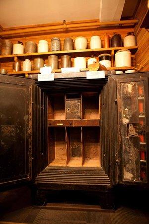 Edinburg Mill: Vault