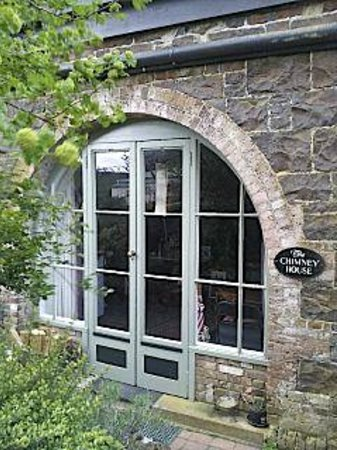 Bowerbank Mill B&B : the entrance to The Chimney House