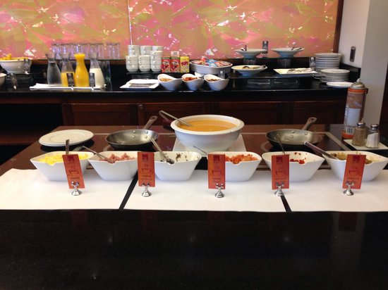 Tryp by Wyndham San Jose Sabana: Omelette bar