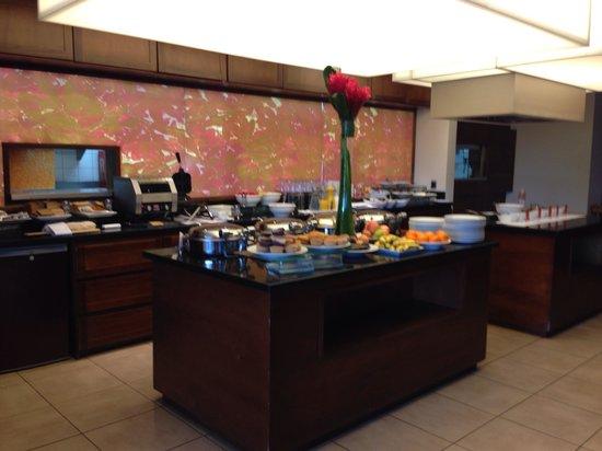 Tryp by Wyndham San Jose Sabana: Breakfast bar
