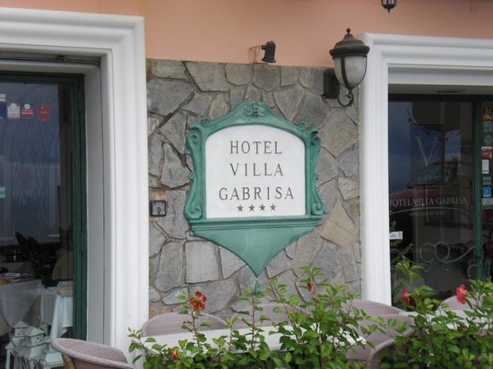 Hotel Villa Gabrisa: Front of the Hotel