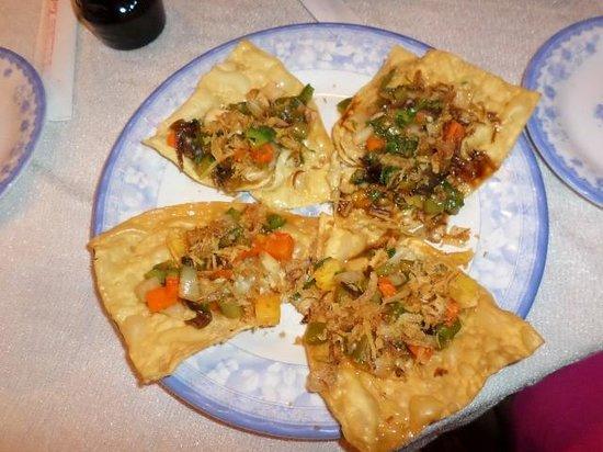 Pho Hoi Riverside Resort: fried wontons yum
