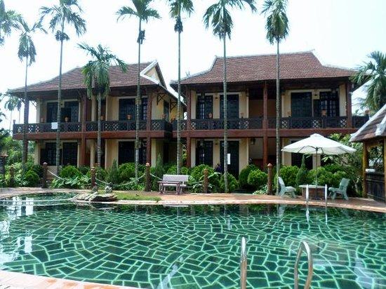 Pho Hoi Riverside Resort: villas
