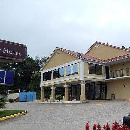 University Inn & Suites : Magnuson Hotel Kennesaw Exterior