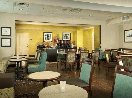 Hampton Inn Augusta: Our Perfect Mix Lobby