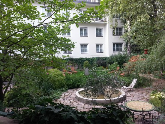 Hotel&Villa Auersperg: More of the Garden area