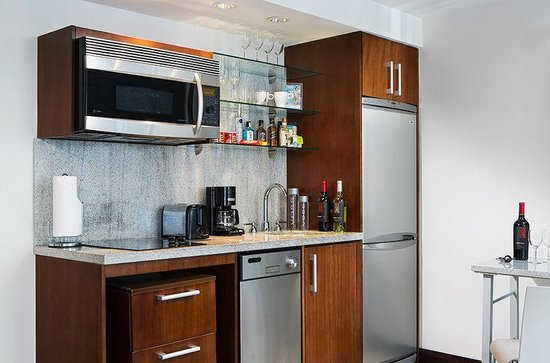 Kitchenette - Picture of Suites at Congress Ocean Drive ...