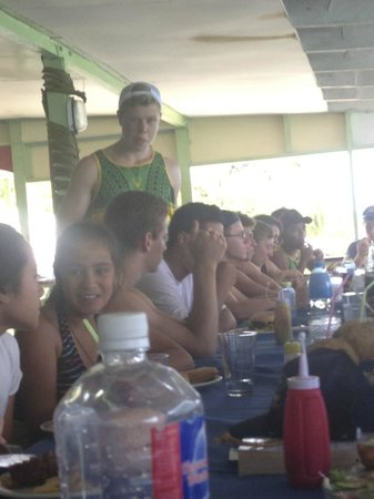 Vaisala Hotel : Players enjoying breakfast